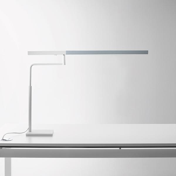 Lampada MicroStick 2.0 da tavolo by Karboox