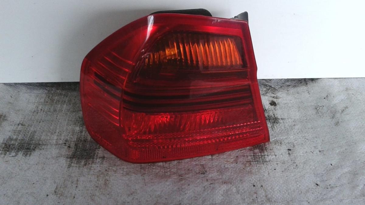 Fanale posteriore sx parte esterna usato originale BMW Serie 3 dal 2005 al 2011