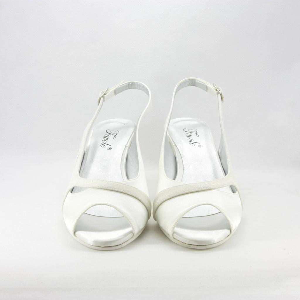 Sandalo donna elegante da cerimonia in tessuto di raso avorio e inserti tessuto glitter con cinghietta regolabile.