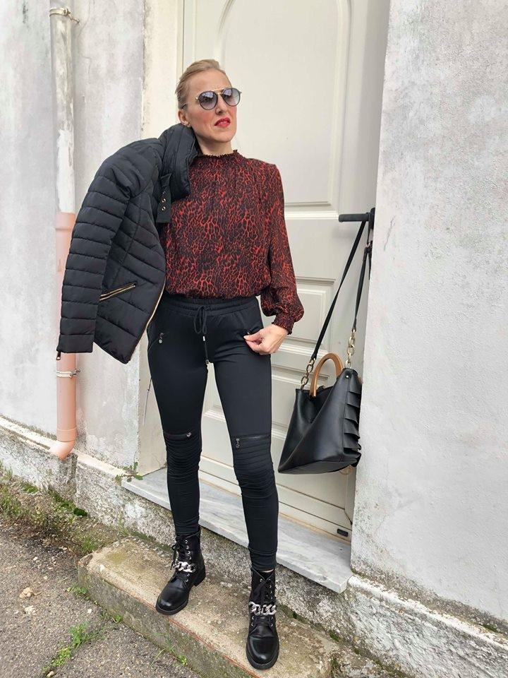 Pantalone Izzy con cerniere.
