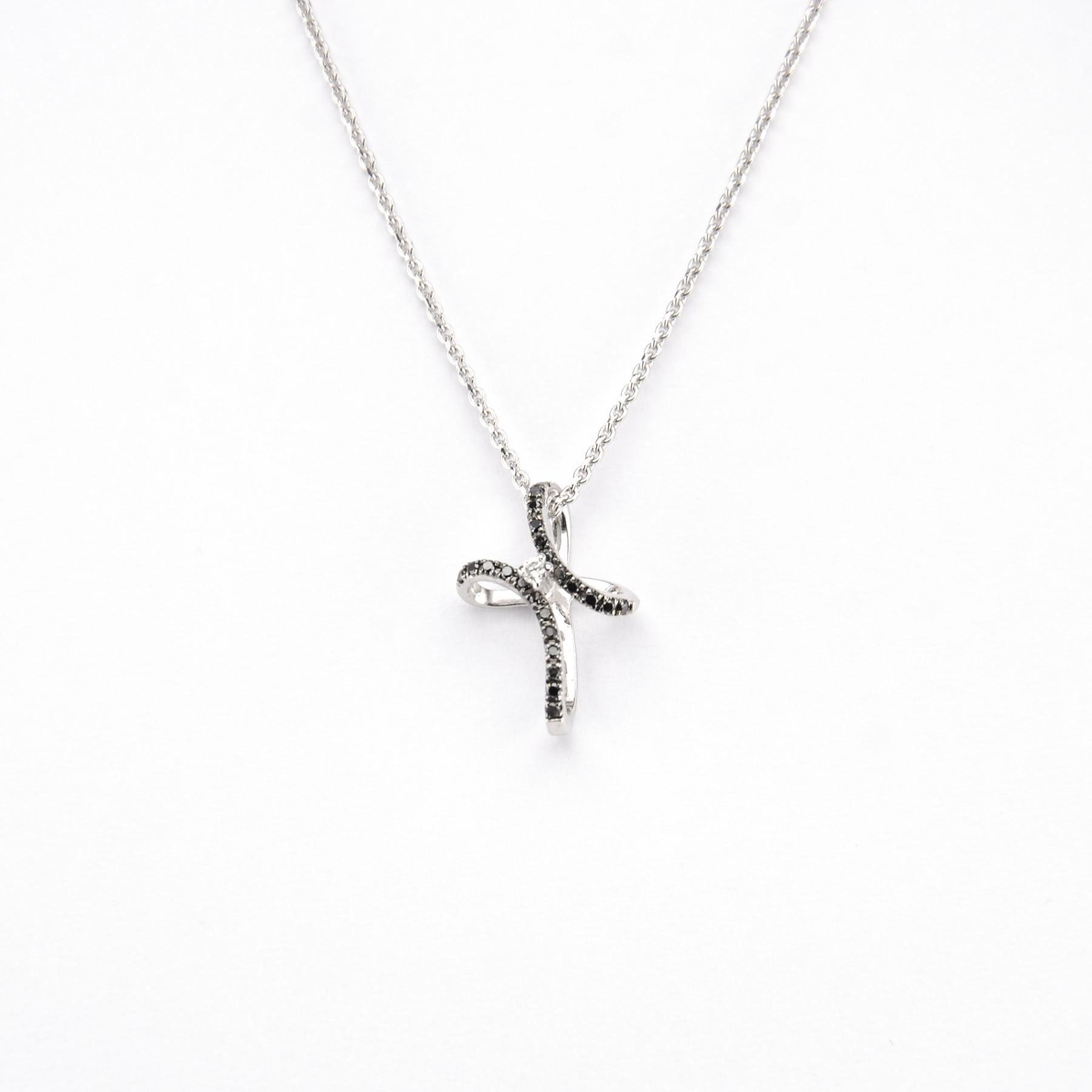 Girocollo Croce con Diamanti Neri e Brillanti