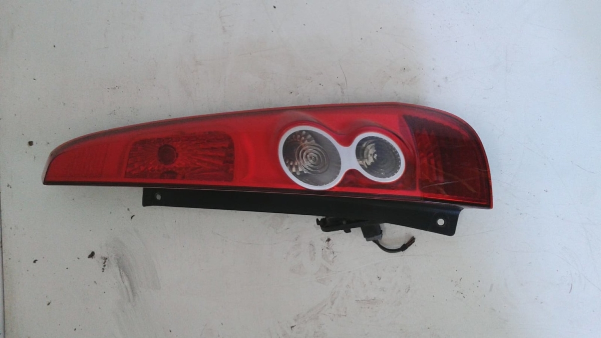 Fanale post. dx usato originale Ford Fiesta serie dal 2005 al 2008 1.2 16V