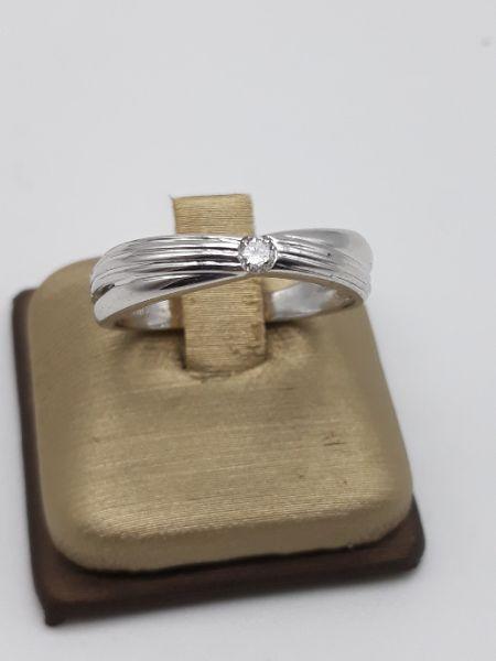 Anello Donna solitario in oro bianco e diamante kt 0.07, vendita on line | GIOIELLERIA BRUNI Imperia