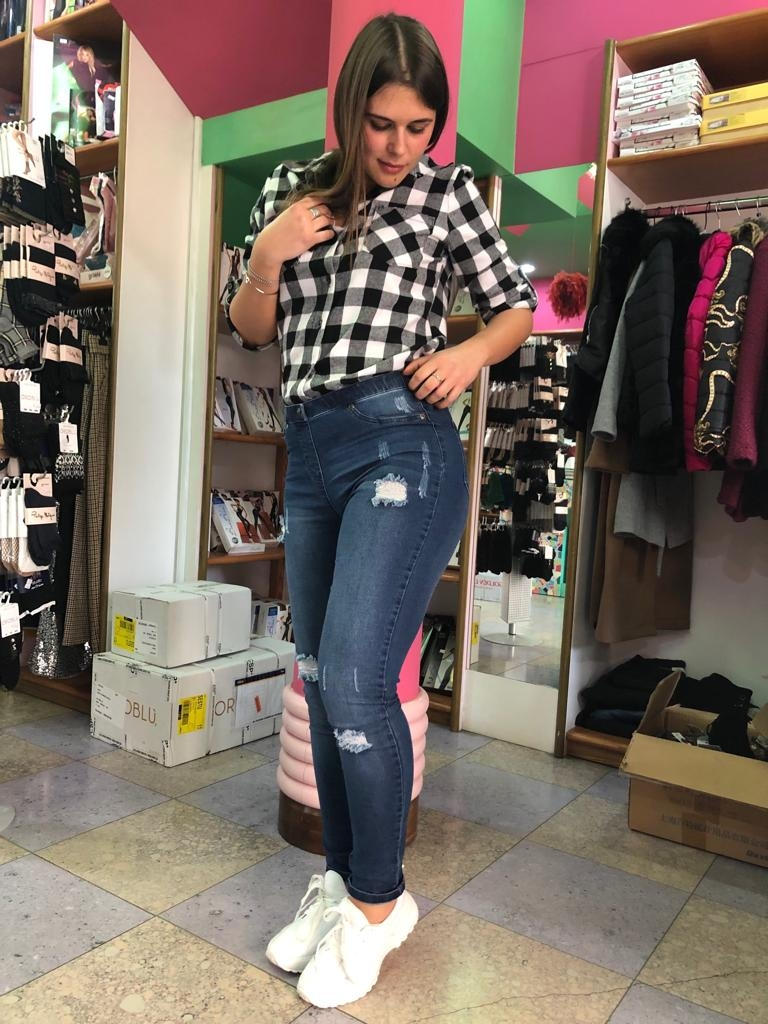 Jeans Leggings strappato