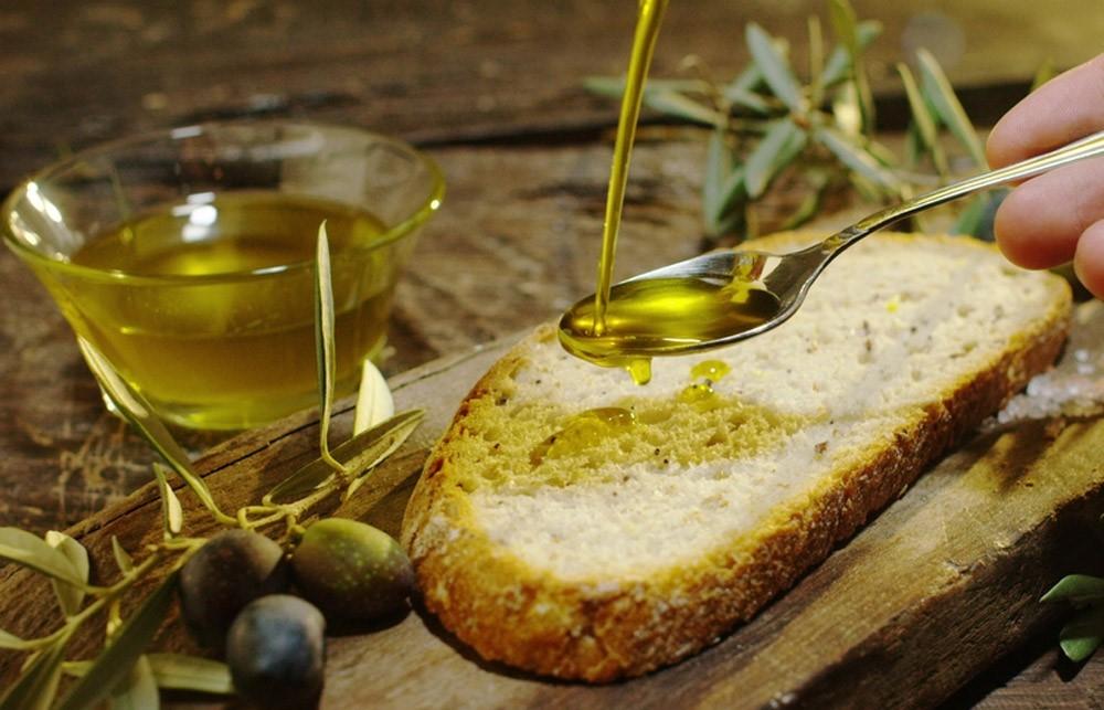 Olio Extravergine Oliva Proprieta Caratteristiche Benefici Per Salute