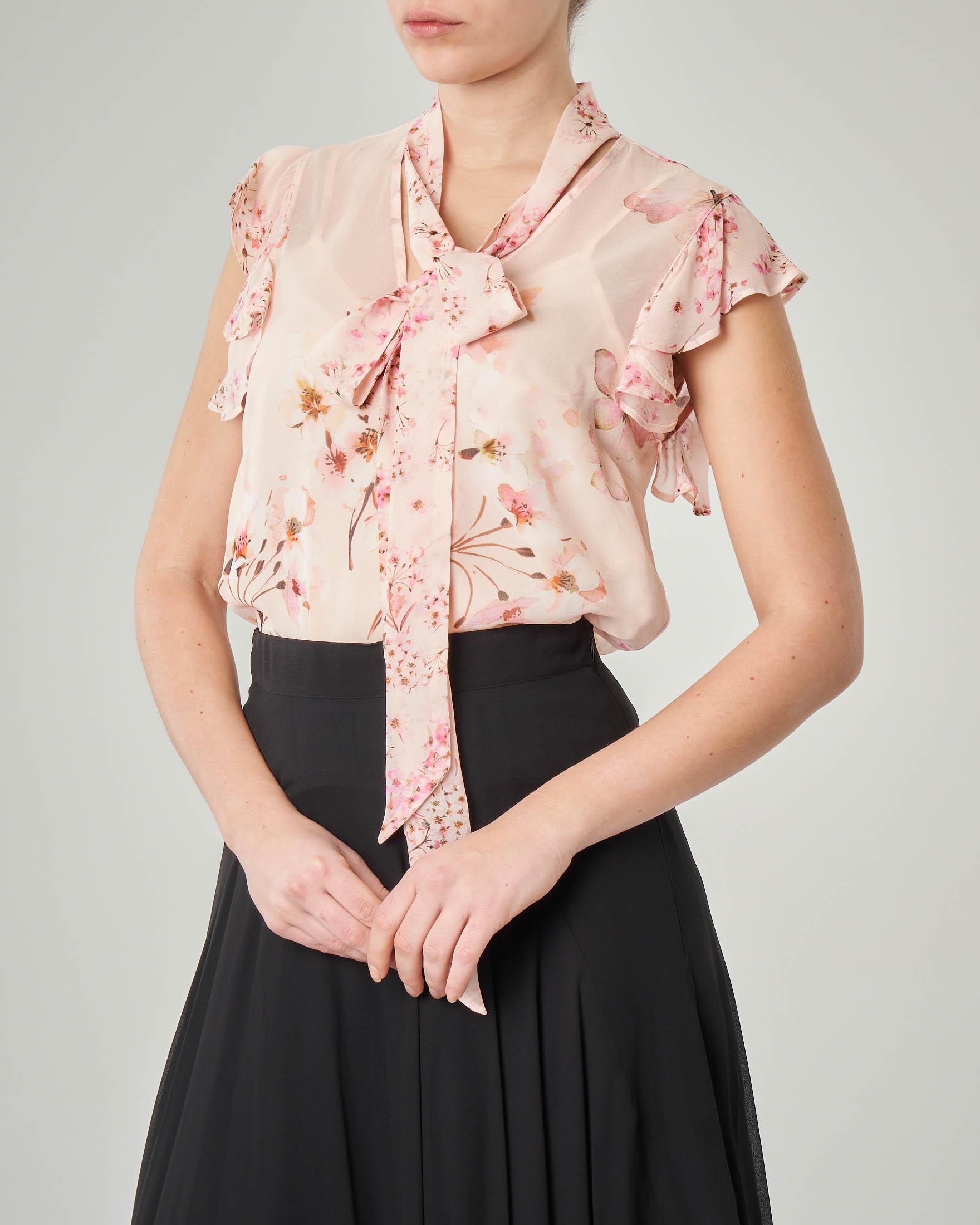 cheaper b8b03 08233 Camicetta rosa a fantasia floreale con maniche corte a volant