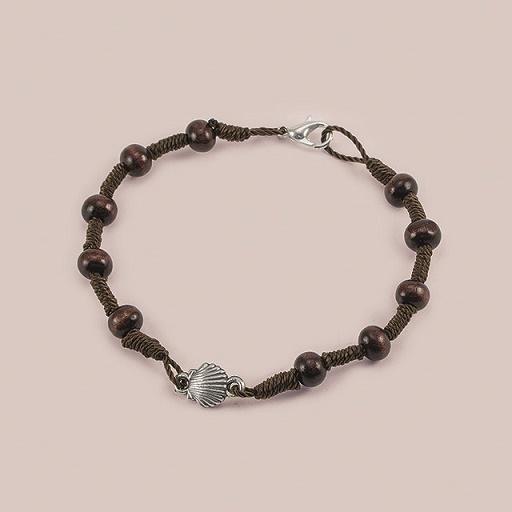 Braccialetto rosario in legno e corda con conchiglia
