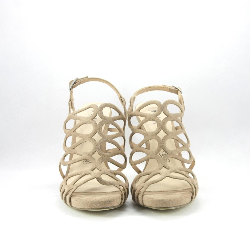 Sandalo cerimonia donna elegante nude con cinghietta regolabile.