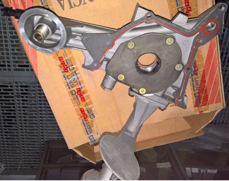 Pompa olio fiat coupe 1.8 16V (60612896, 60812488)