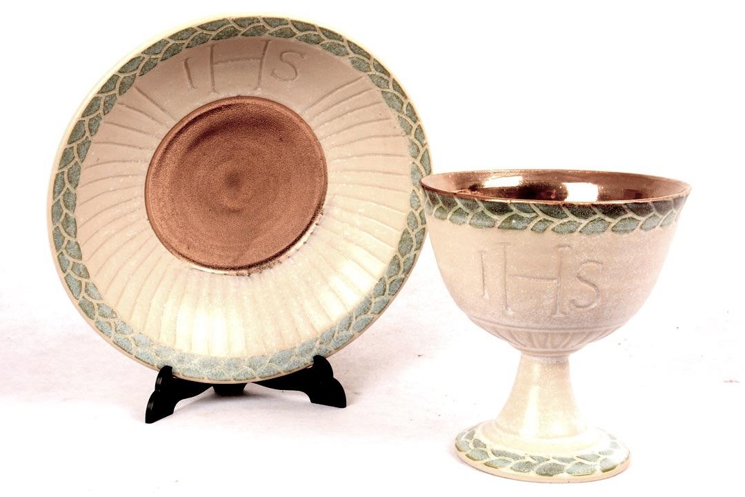 Calice con Patena in Ceramica Decorazione IHS