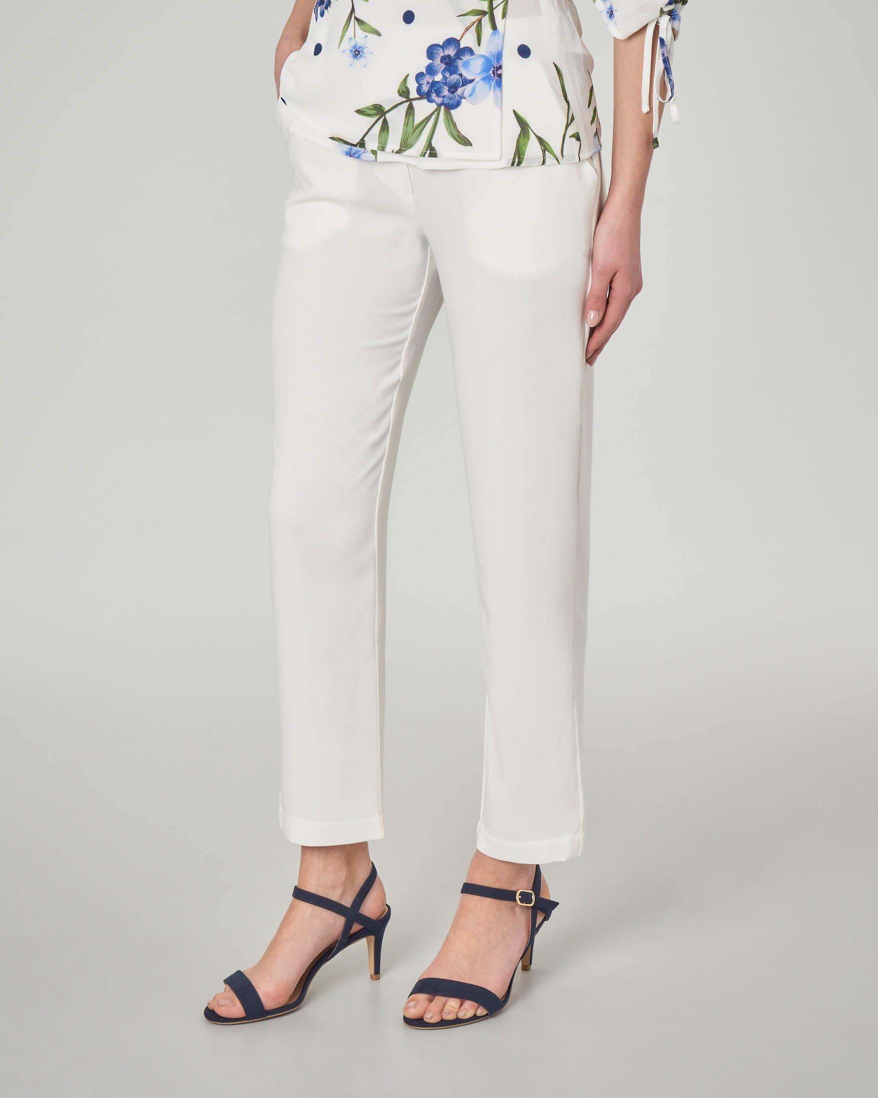 a62571ceecc6 Pantaloni bianchi alla caviglia leggermente elasticizzati ...