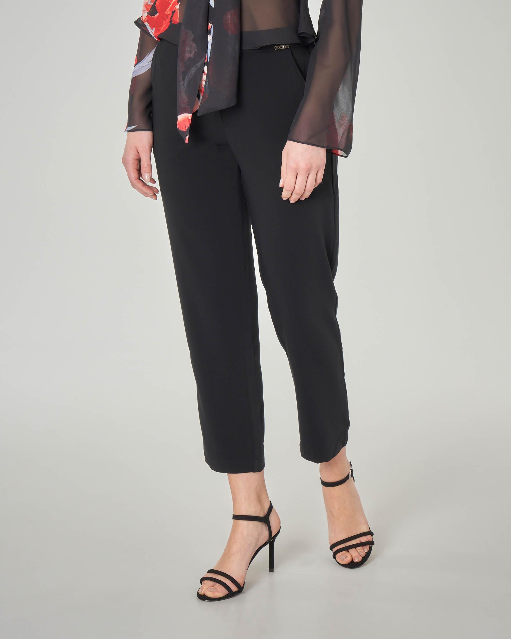 b5ffb53603e0 Pantaloni neri alla caviglia leggermente elasticizzati   Pellizzari ...