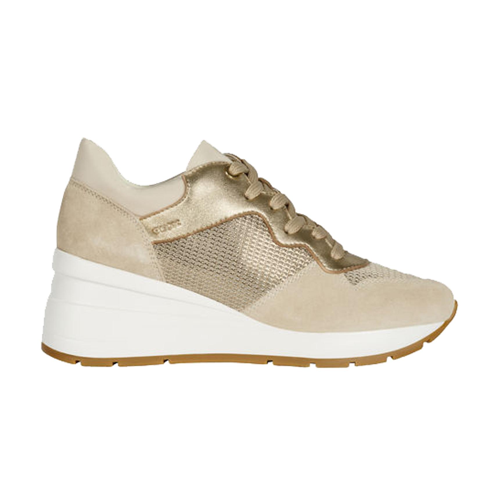 Sneaker champagne con zeppa Geox