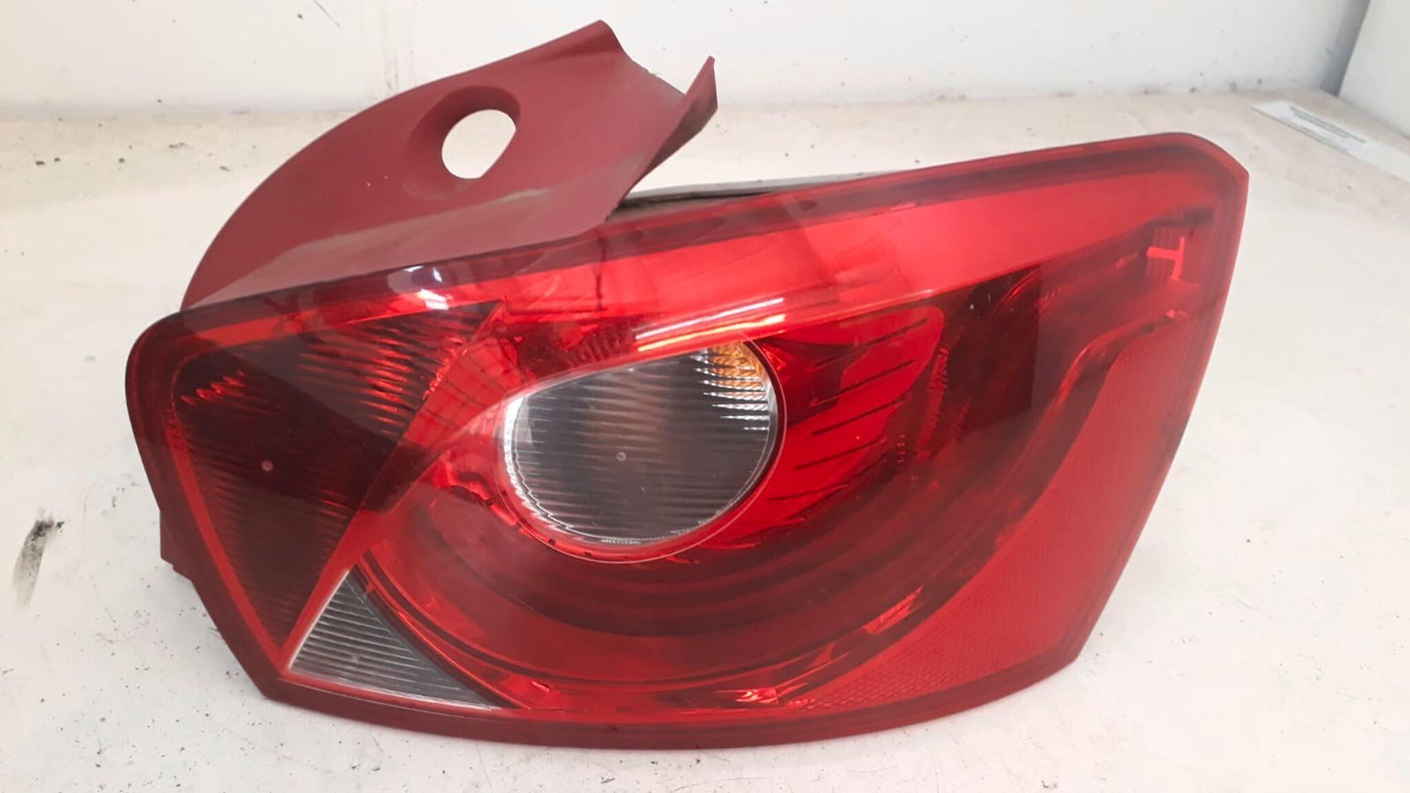 Fanale dx usato Seat Ibiza serie dal 2008 al 2013