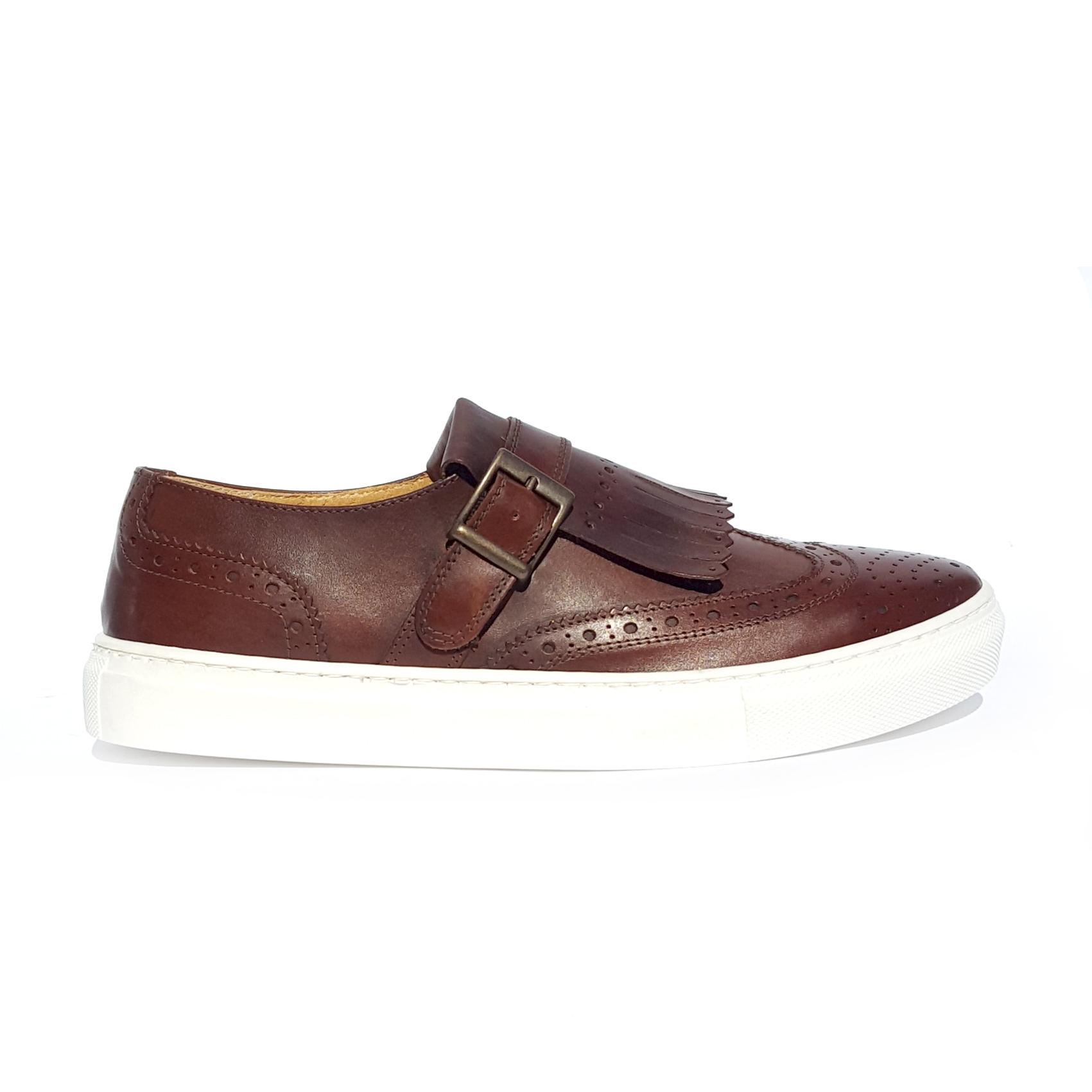 Sneaker marrone con frange PZO
