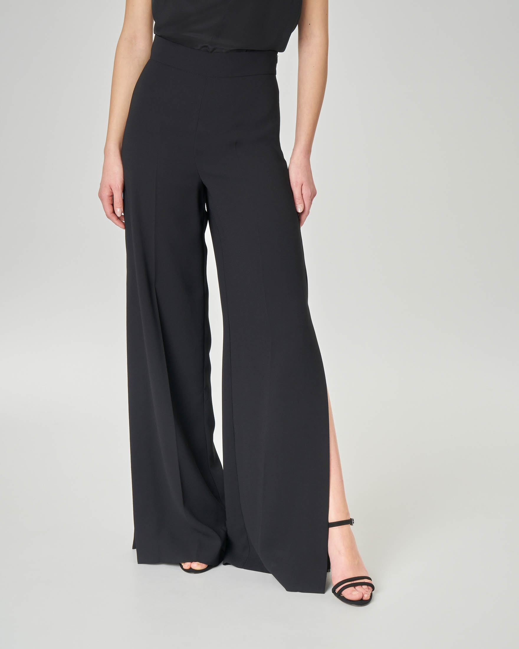 comprare on line 9dcba 49941 Pantaloni in cady neri con spacco laterale