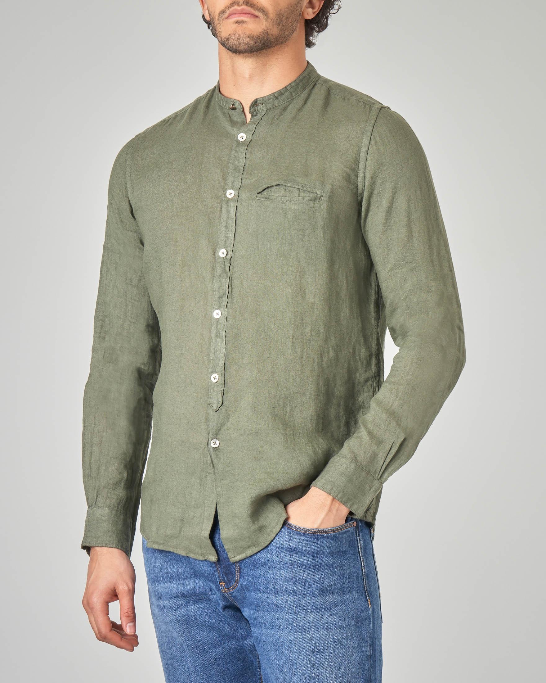 online store d1d58 994ef Camicia verde militare in lino a coreana con taschino