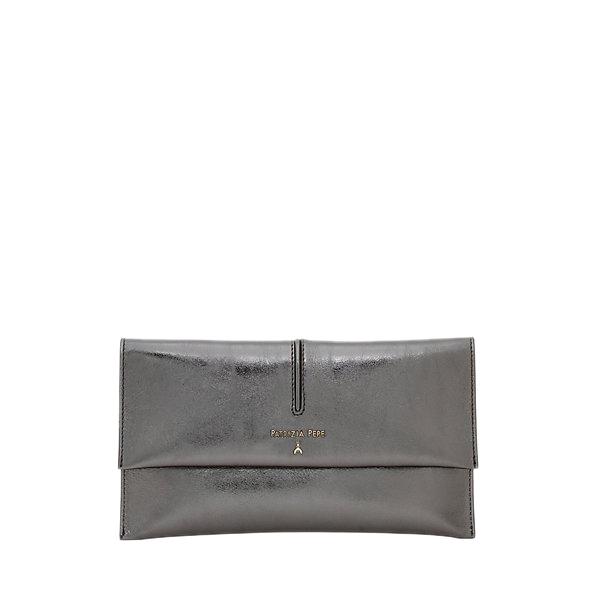 Pochette in pelle metallizzata color argento - PATRIZIA PEPE