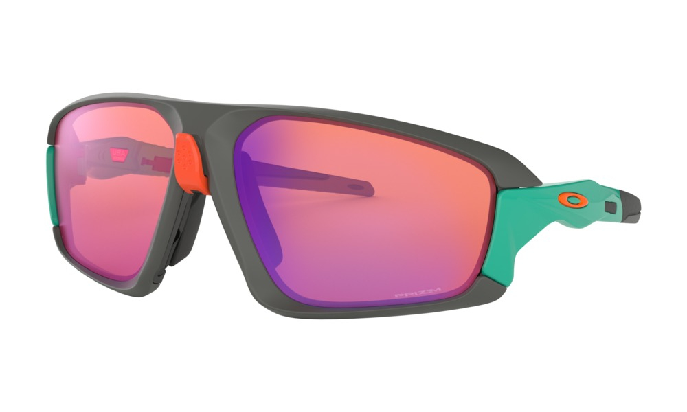 Oakley - Occhiale da Sole Uomo, Field Jacket, Matte Dark Grey/Prizm Trail  OO9402 940204  C64