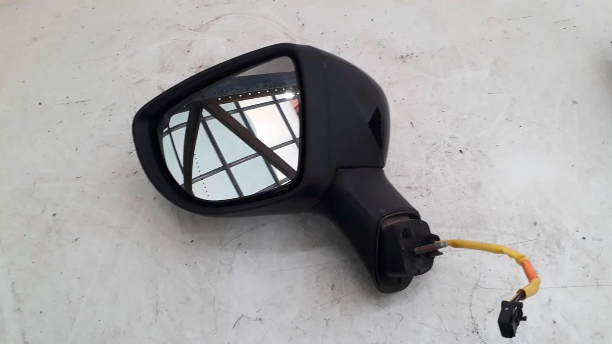 retrovisore elettr. sx usato Renault Captur serie dal 2013>