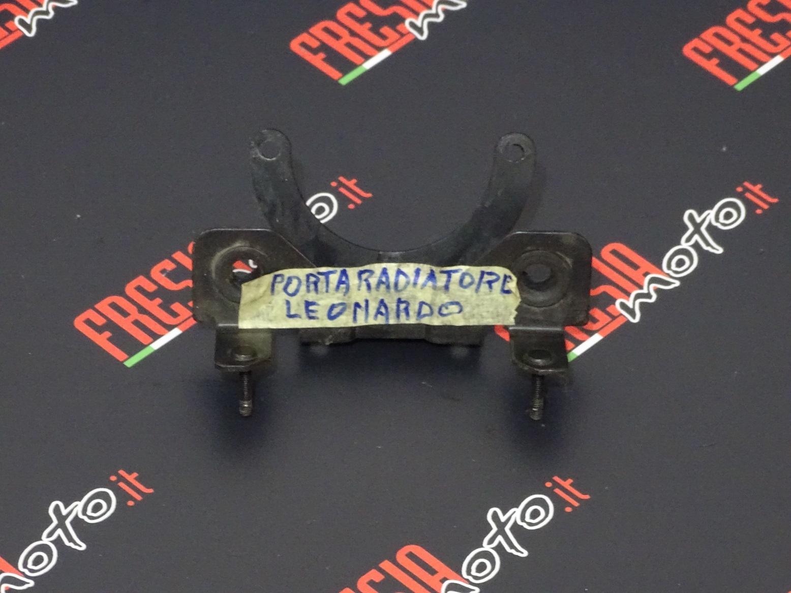 SUPPORTO RADIATORE USATO APRILIA LEONARDO 150 ANNO 2000