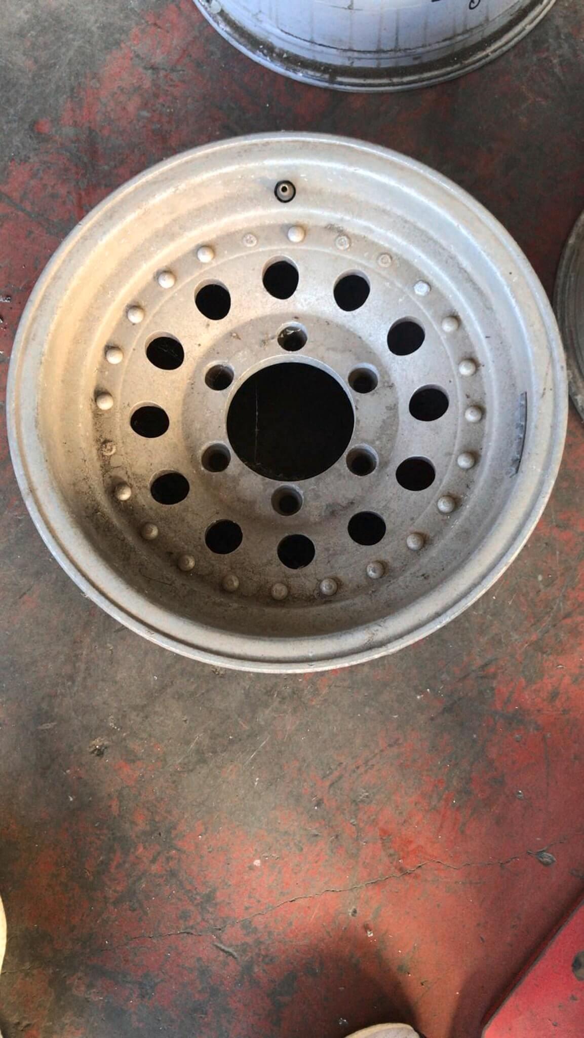 Cerchio in lega usati originali R15 Mitsubishi L200 serie dal 1996