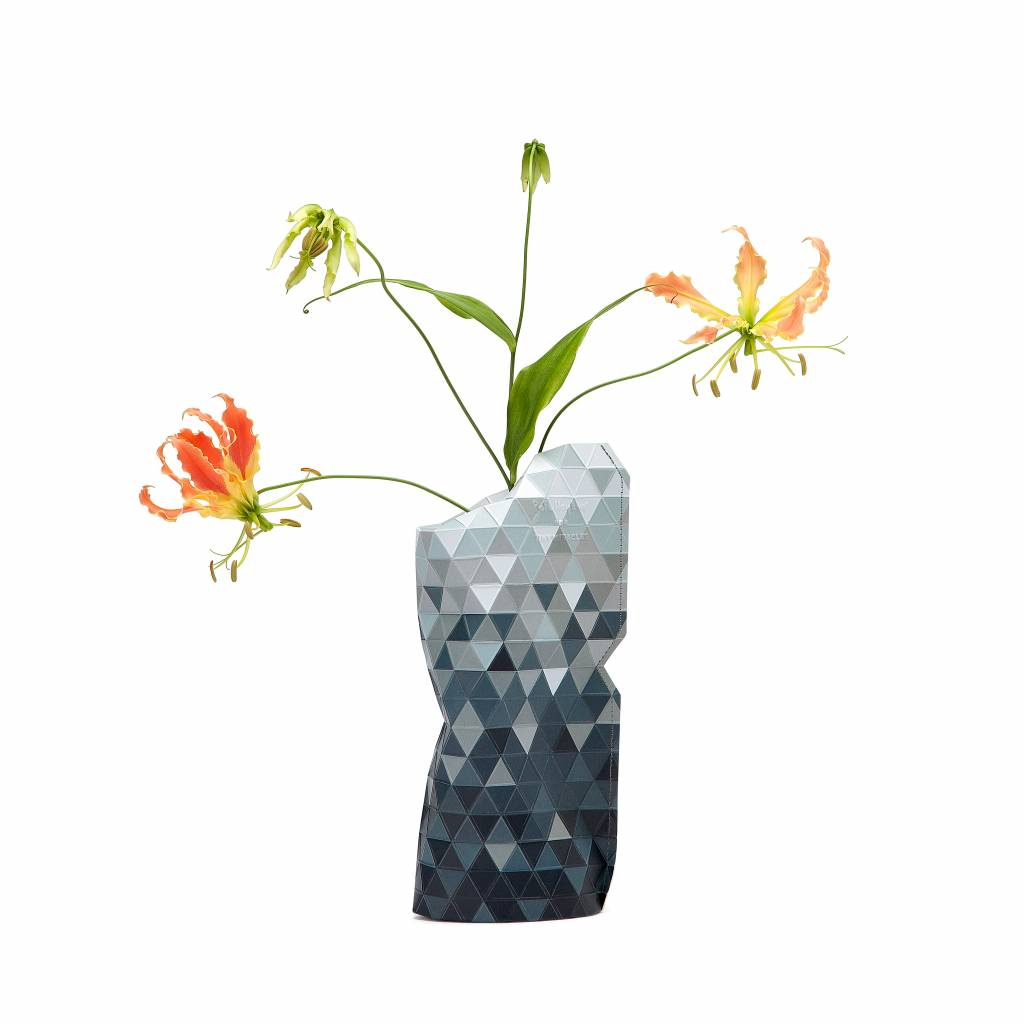 Paper Vase Cover Grey Gradient (small)