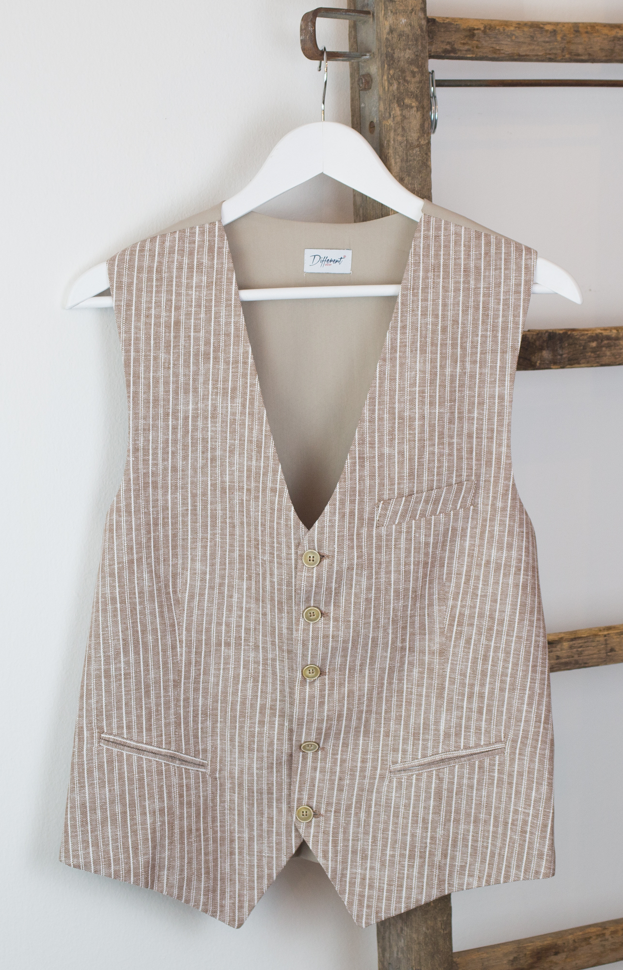 Gilet beige a righe Different