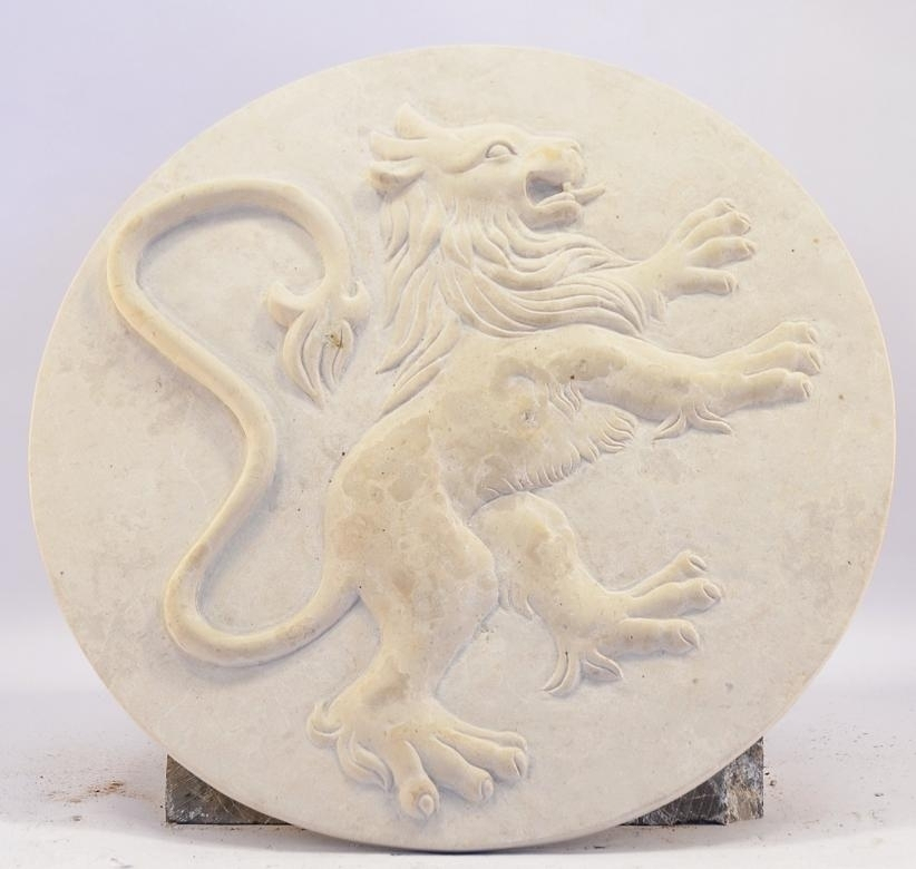 Best price Lion Rampant Sculpture Hand Picturecarved