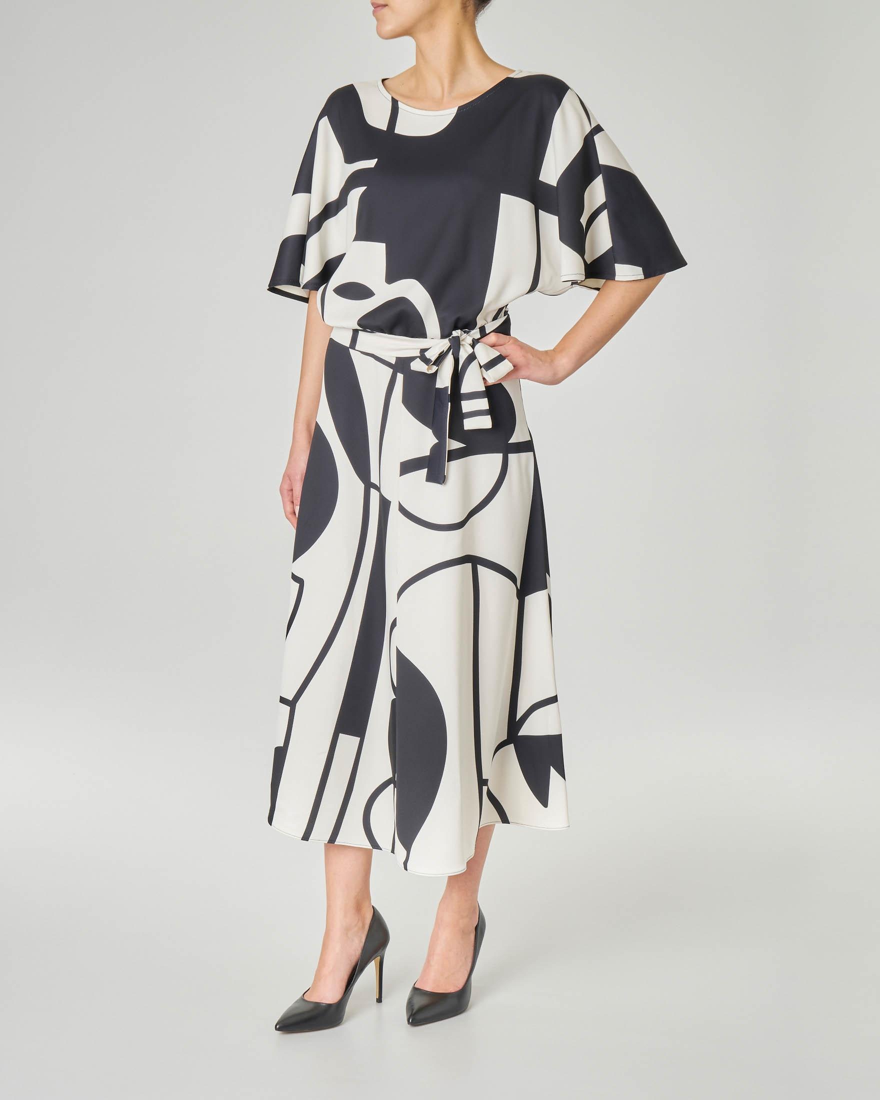 online store 5b949 11b59 Abito midi LW x ART. 365 in crêpe a fantasia geometrica in bianco e nero  con maniche a kimono