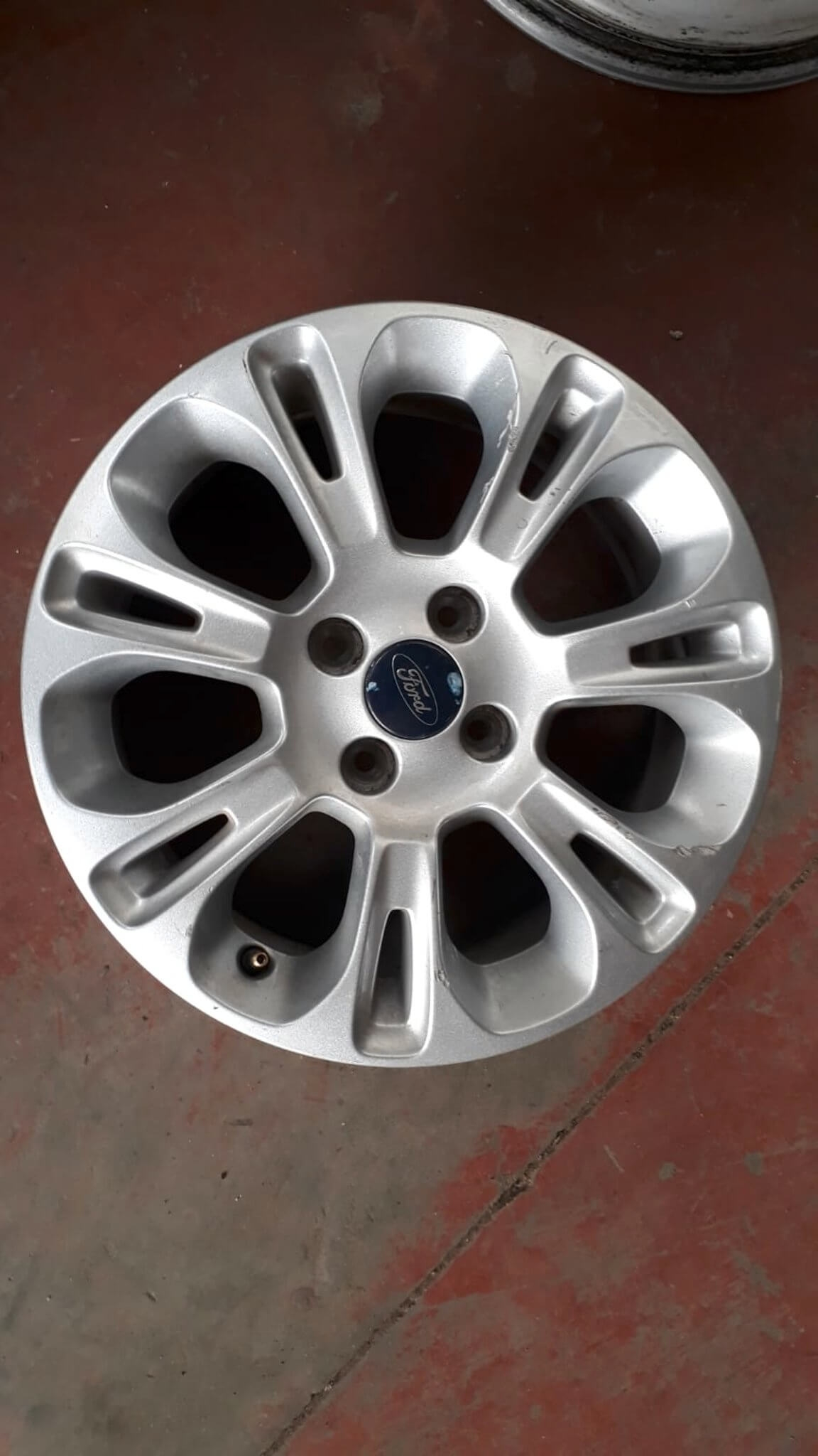 Cerchio in lega R15 usati Ford KA dal 2008>