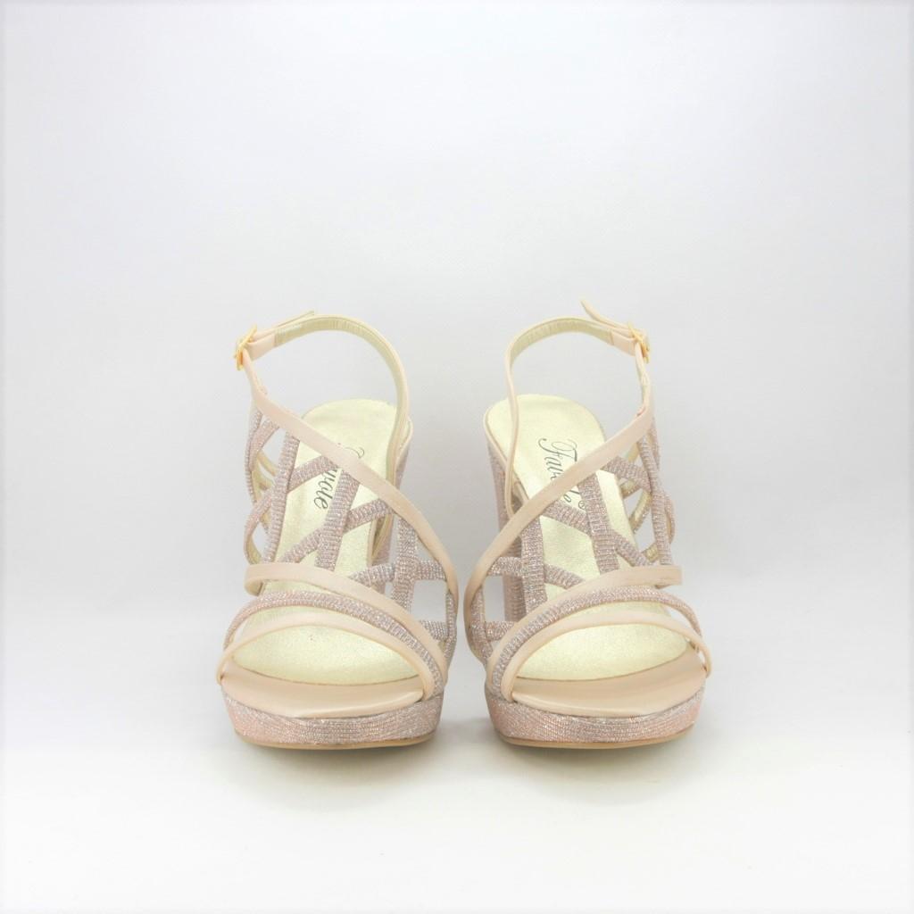Sandalo cerimonia donna elegante in tessuto di raso color cipria glitter con cinghietta regolabile.