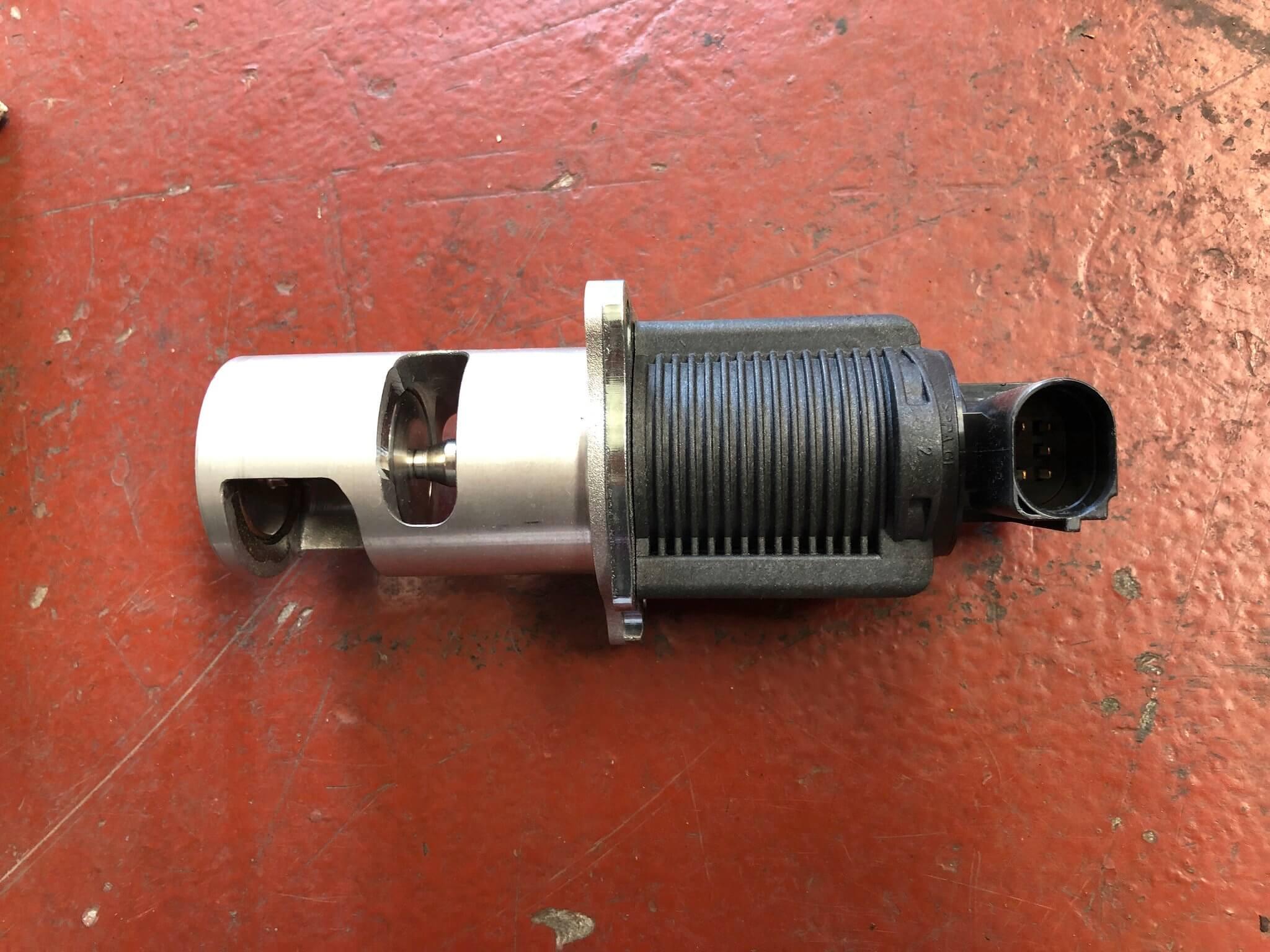 Valvola EGR usata R. Laguna 2à serie 8200270539
