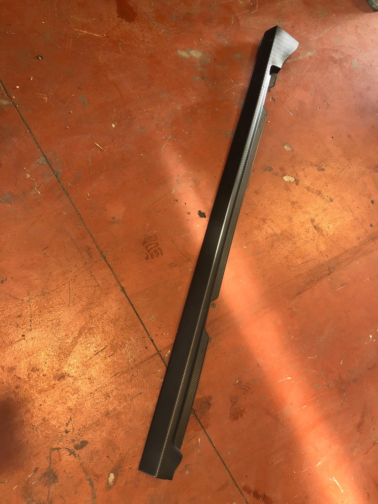 Modanatura sottoporta usata R. Clio 4à serie 2012>