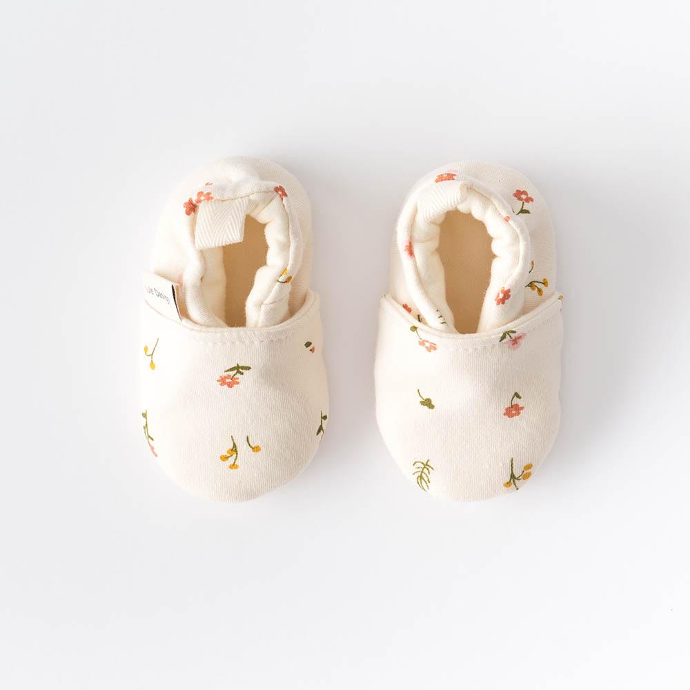 Scarpine neonato fantasia fiori in cotone biologico