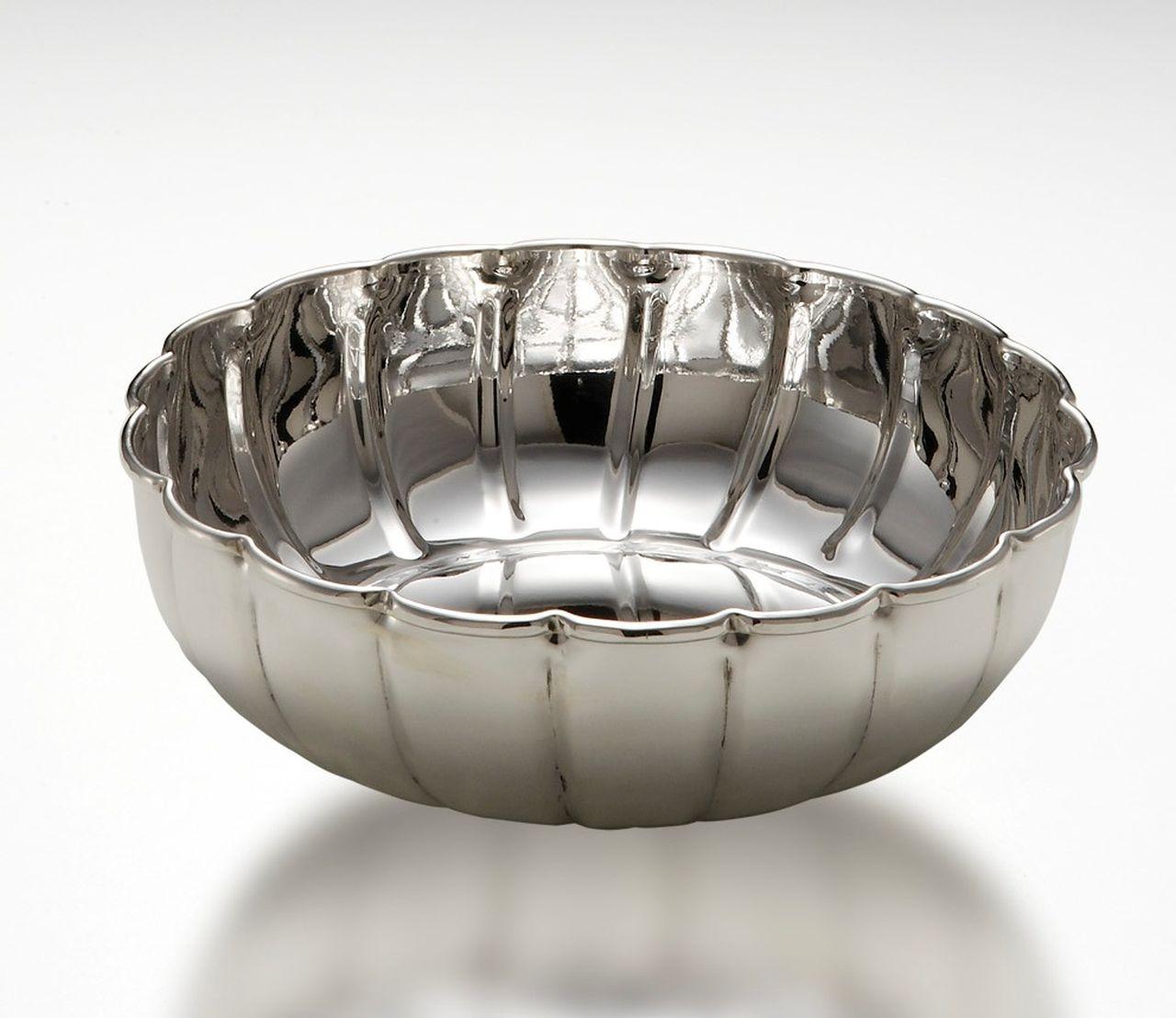 Ciotola tonda modello Benedetta in metallo placcato argento cm.4,5h diam.14