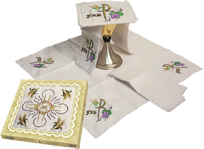 Servizio da messa in lino ricamo