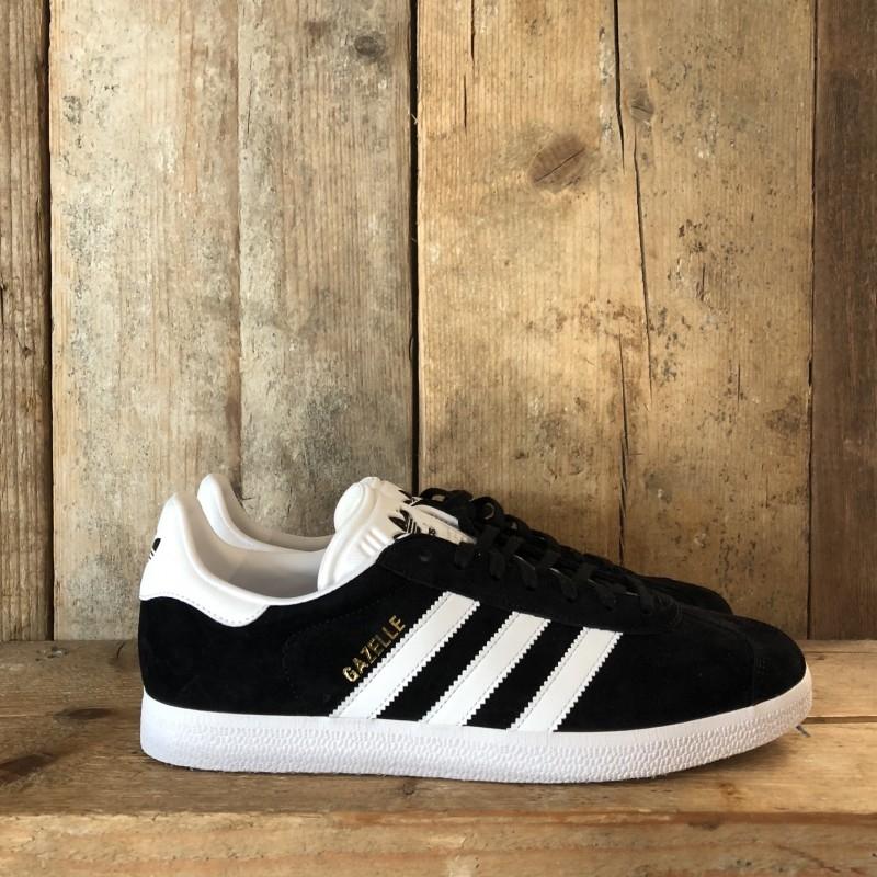 scarpe adidas strisce nere