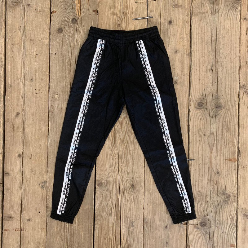 Pantalone Adidas Track Pant Neri con Strisce Bianche