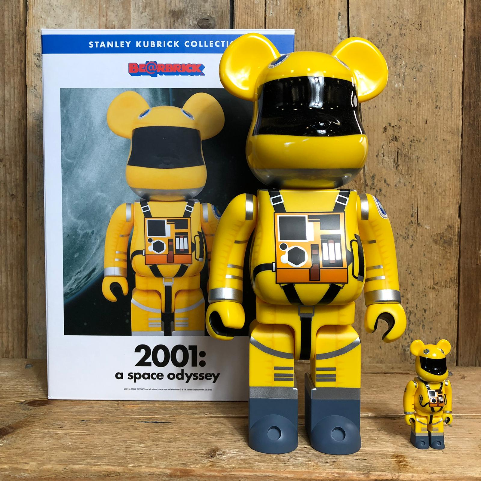 Be@rbrick Medicom Toy 2001 A Space Odyssey 100% e 400% Space Suit Yellow Ver.