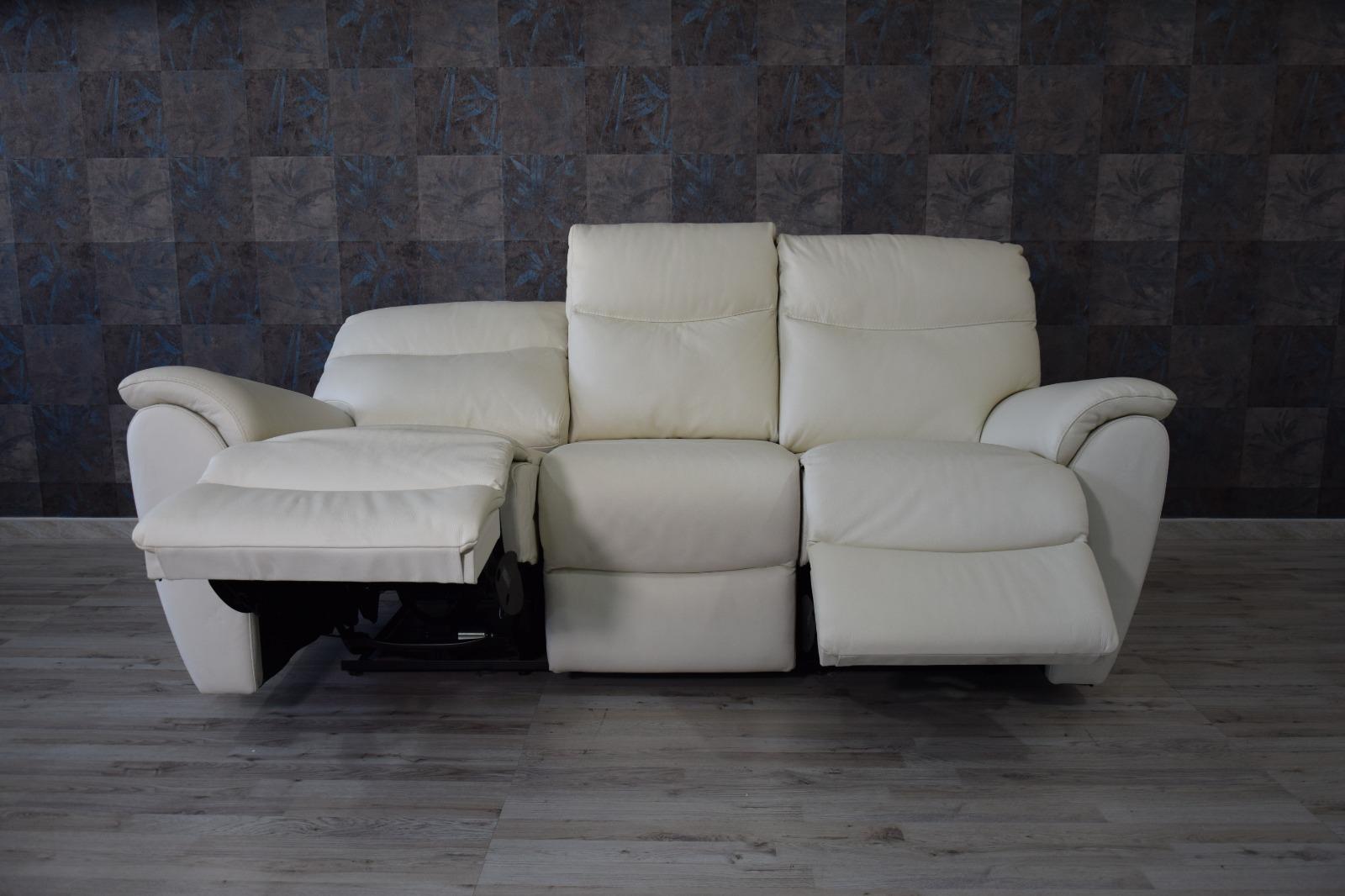 JAXON - Divano relax elettrico in pelle color avorio a 3 posti di cui 2 con meccanismi recliner