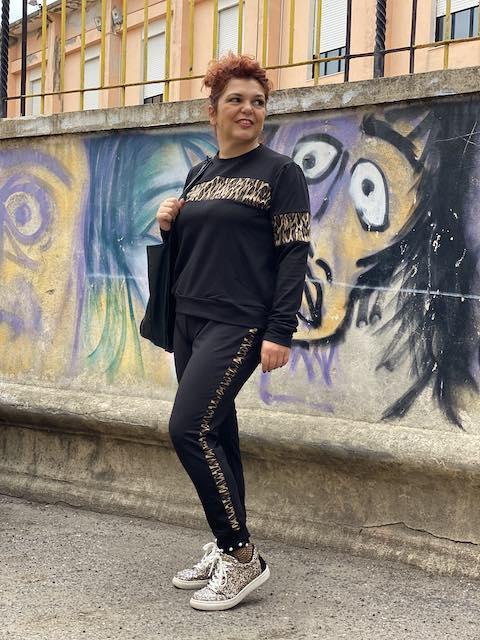 Tuta Sporty Chic Bande Maculate Oversize Taglia 52