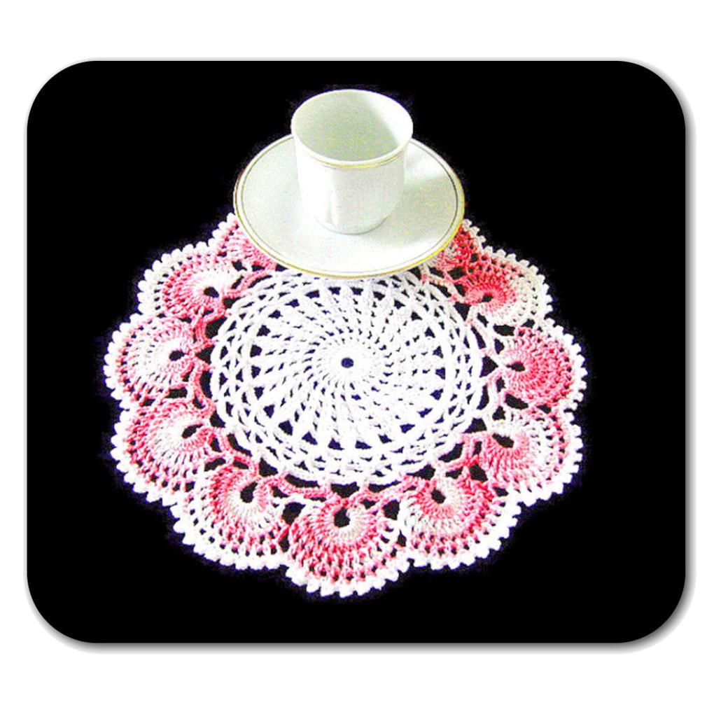 CENTRINO rotondo bianco e rosa sfumato all'uncinetto