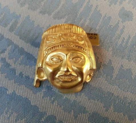Ciondolo/spilla Maschera Azteca cultura Mixteca, Luis Alberto Cano