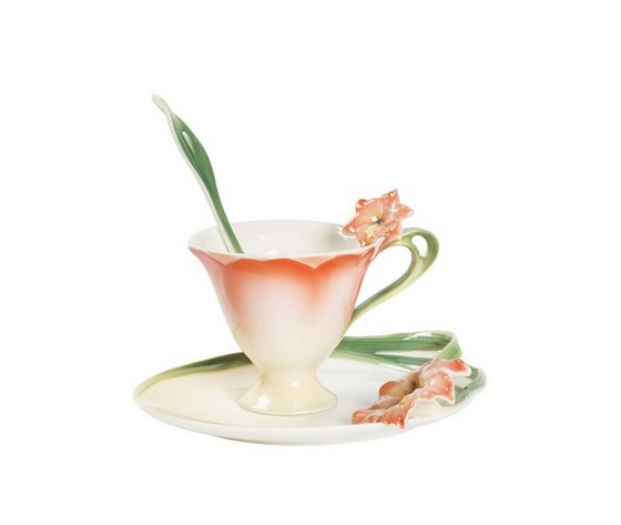 Tazzina in ceramica rosa decorata