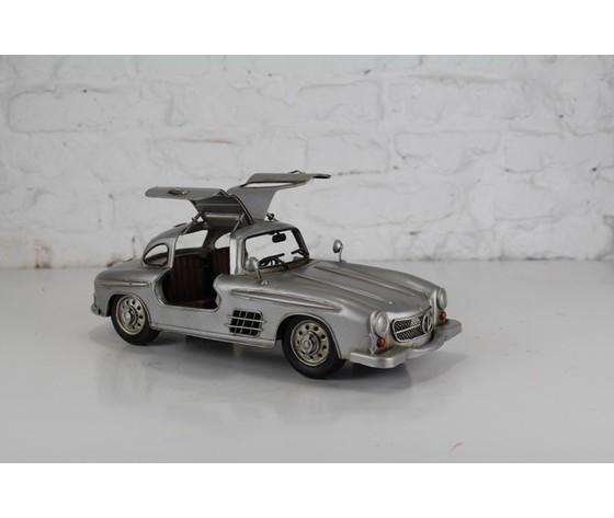 Modellino in latta Silver Benz 300l