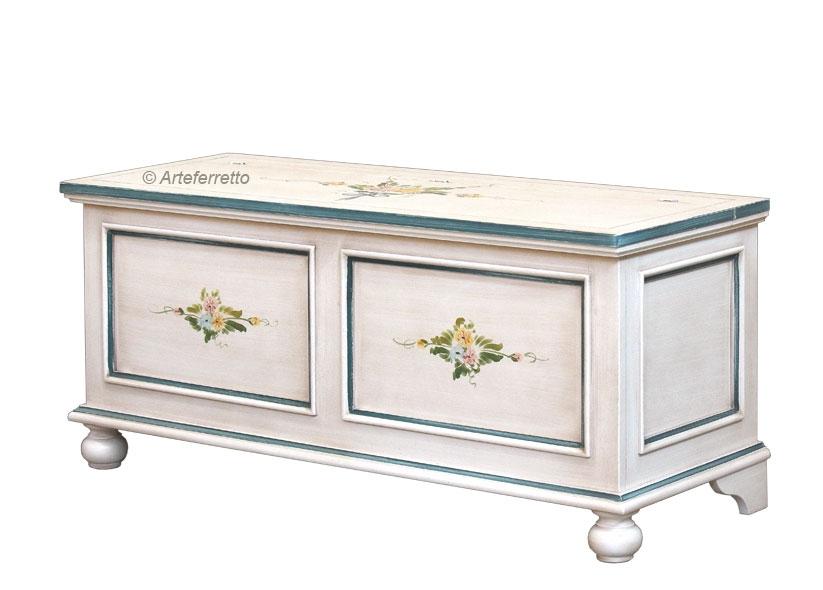 Caja de almacenaje laqueada decorada a mano por artesanos venecianos