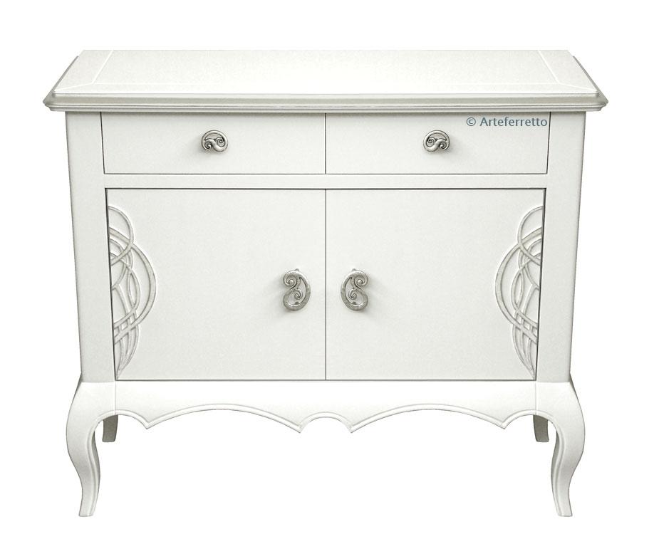 Aparador lacado blanco con detalles plata