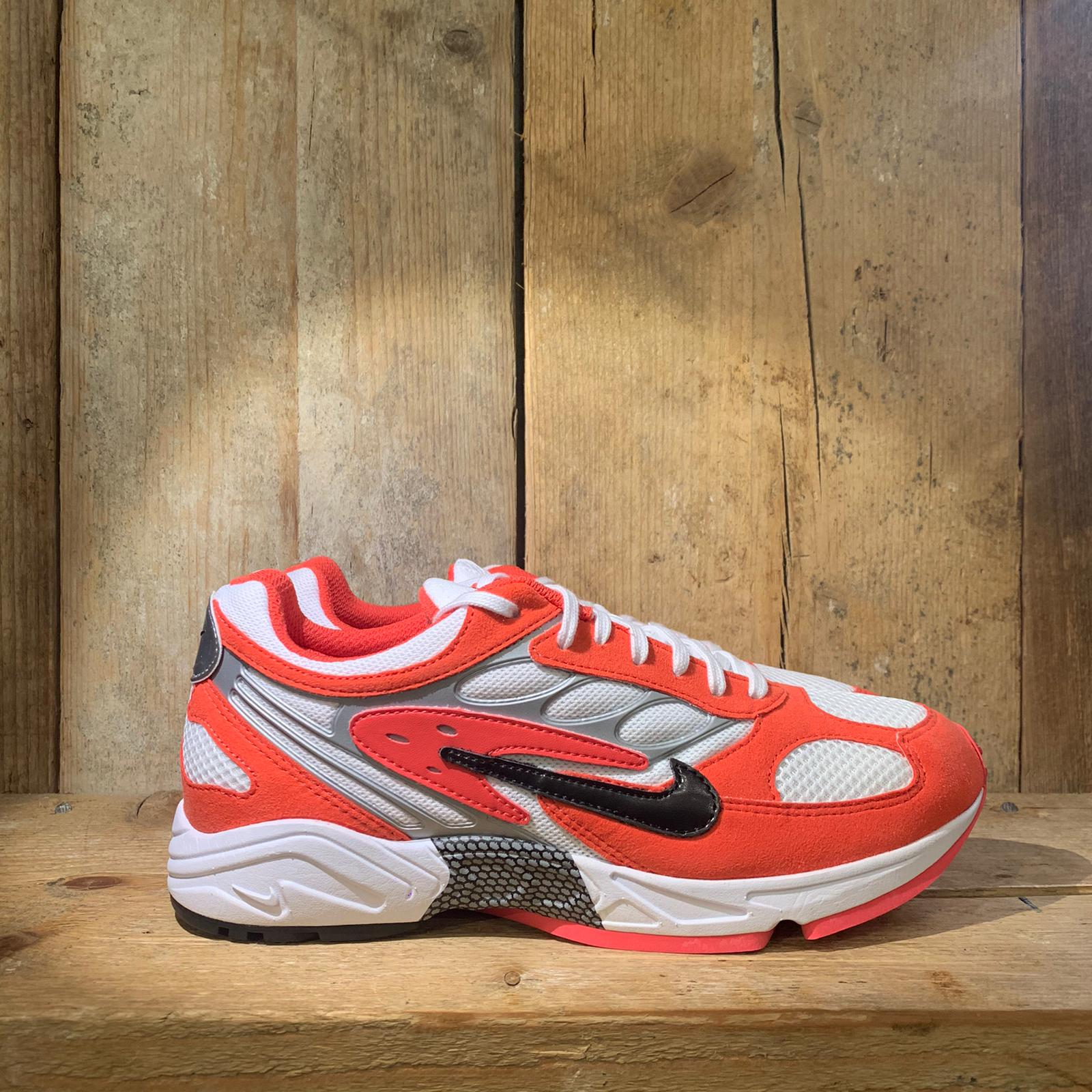 Scarpa Nike Air Ghost Racer Rossa Bianca e Argento