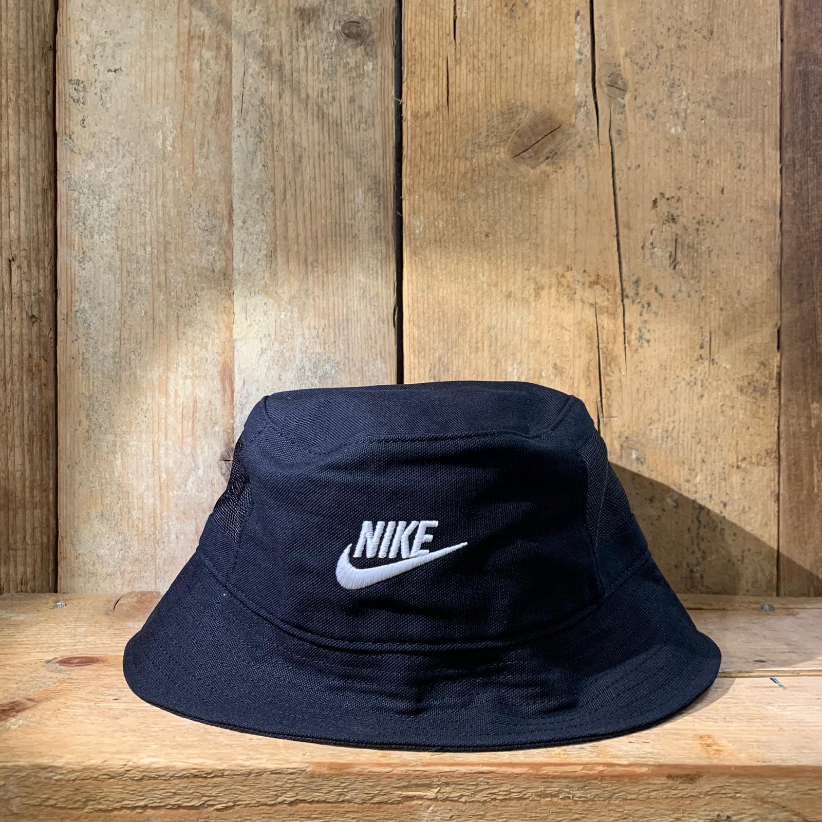 Cappellino Nike alla Pescatora Nero